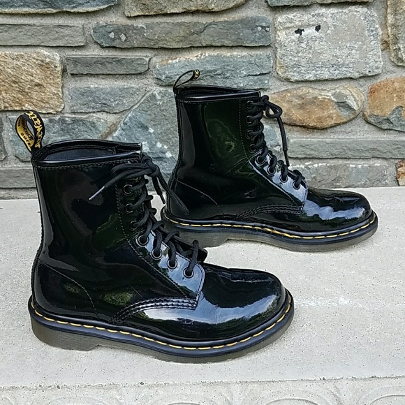 0ea3819b480 Dr Martens 1460 8 eye patent leather boots